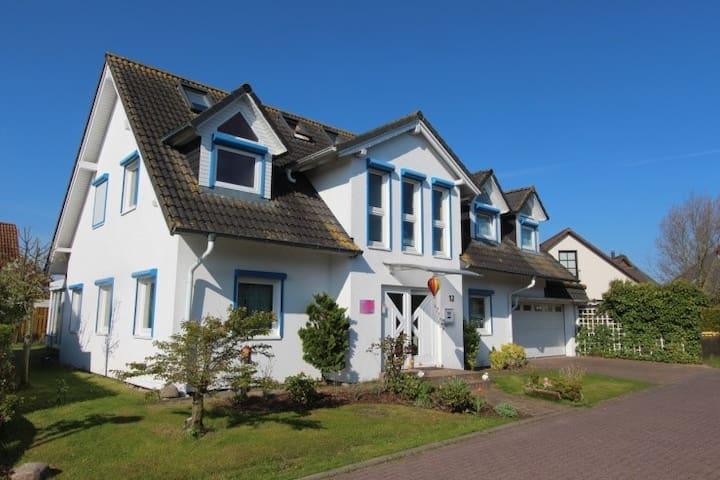 Zimmer in der Nähe des Meeres für kurz oder lang - Elmenhorst-Lichtenhagen - House