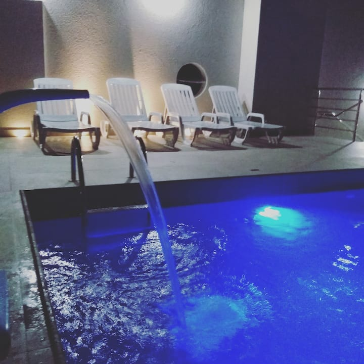 excelente apto 2 suites com piscina