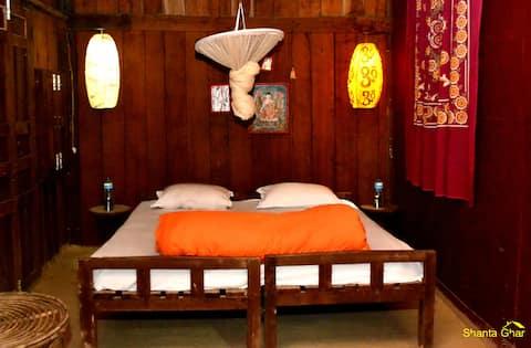 Manakarni Family - Special Room
