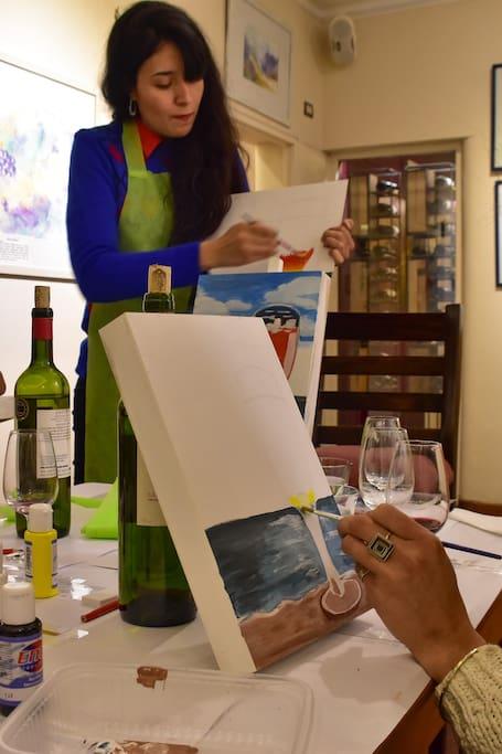 Pintando mientras degustamos vinos