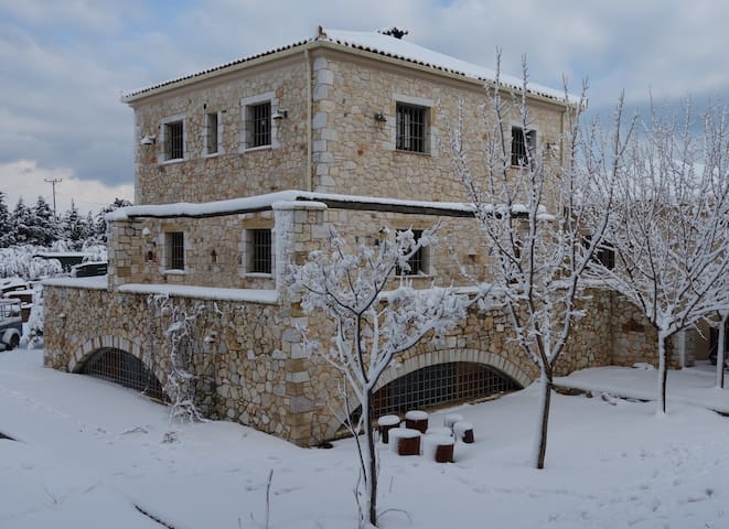 Athenian Manor in the outskirts