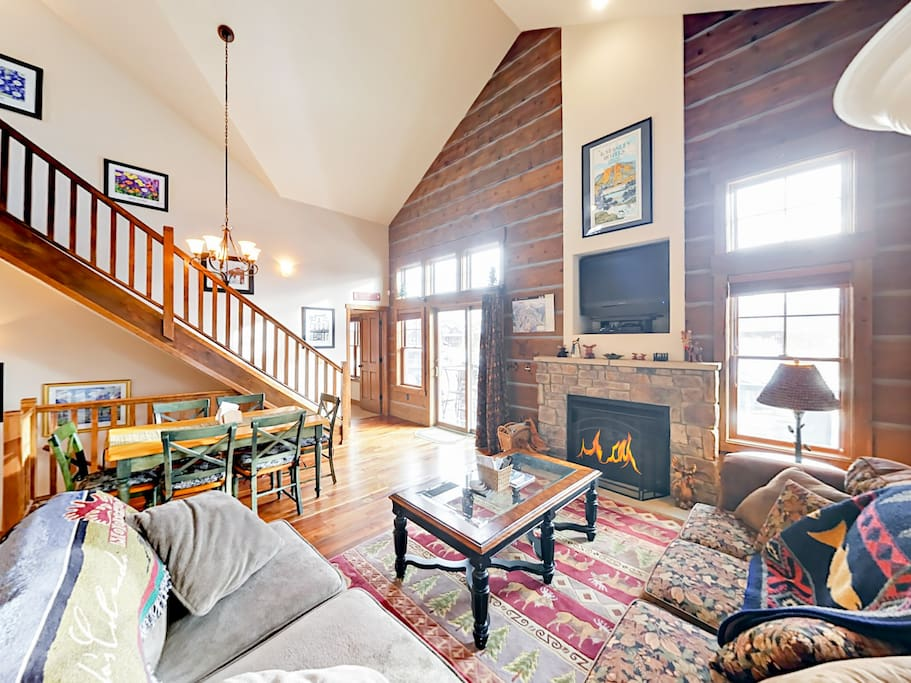There's a sophisticated mountain lodge feel to the Great Room with vaulted ceilings.
