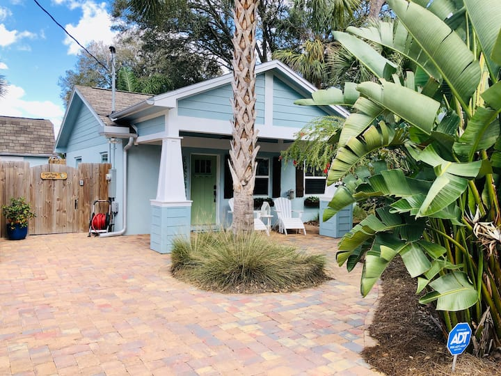 The 2 bedroom Jacksonville Blue Bungalow
