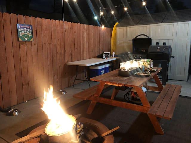 Cozy 2 Bdr Private Entrance, Backyard BBQ & Garden