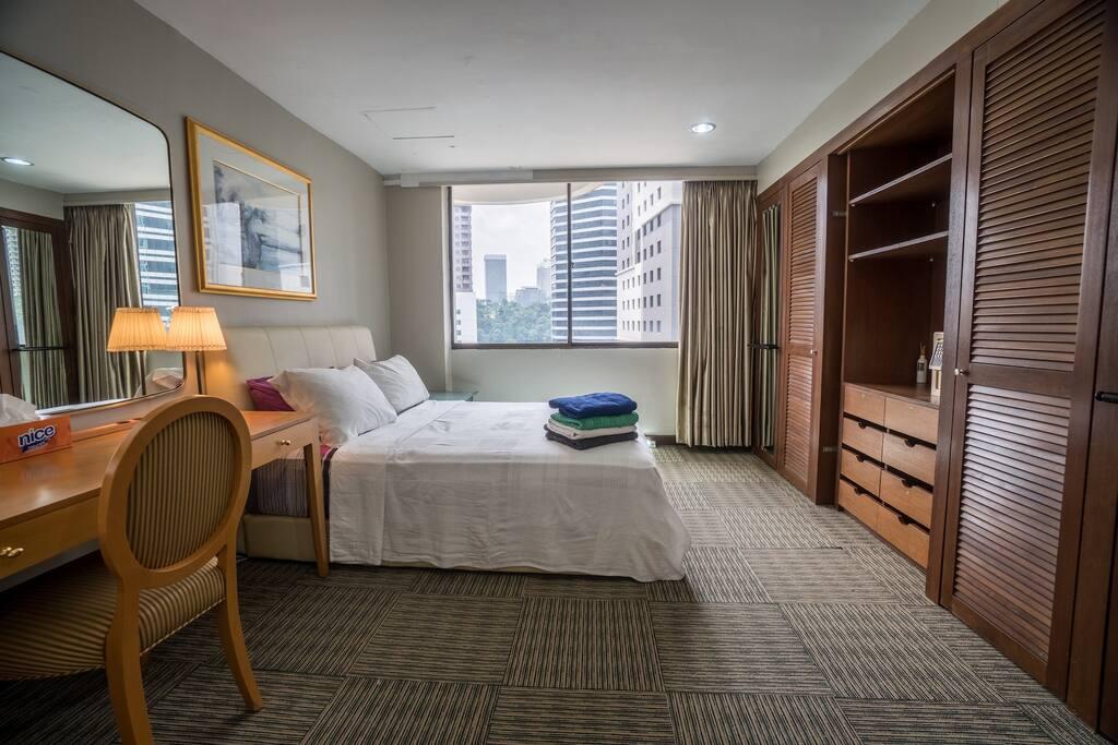 Bright and cozy private room