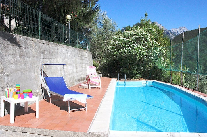 Country-cottage, 5 rooms, pool, garden, BBQ, Wifi