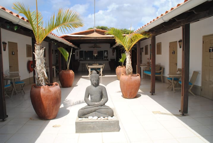 B&B the Lodge Bonaire the place to be