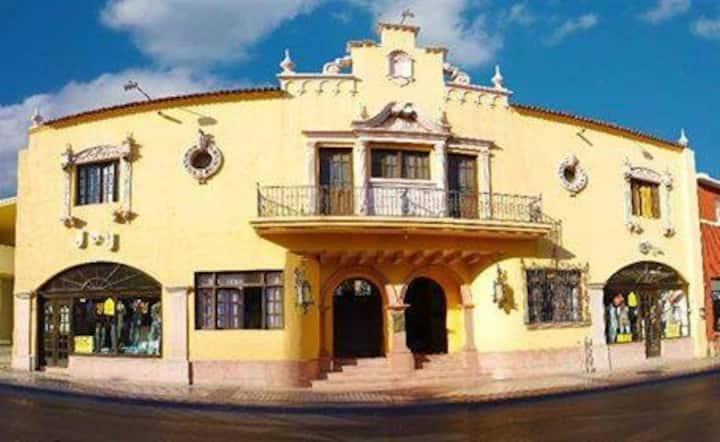 Hotel Urdiñola en el Centro histórico de Saltillo