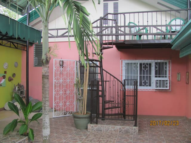 Villa 301 B&B - Family 2 Bedroom Unit - Baclayon - Pousada