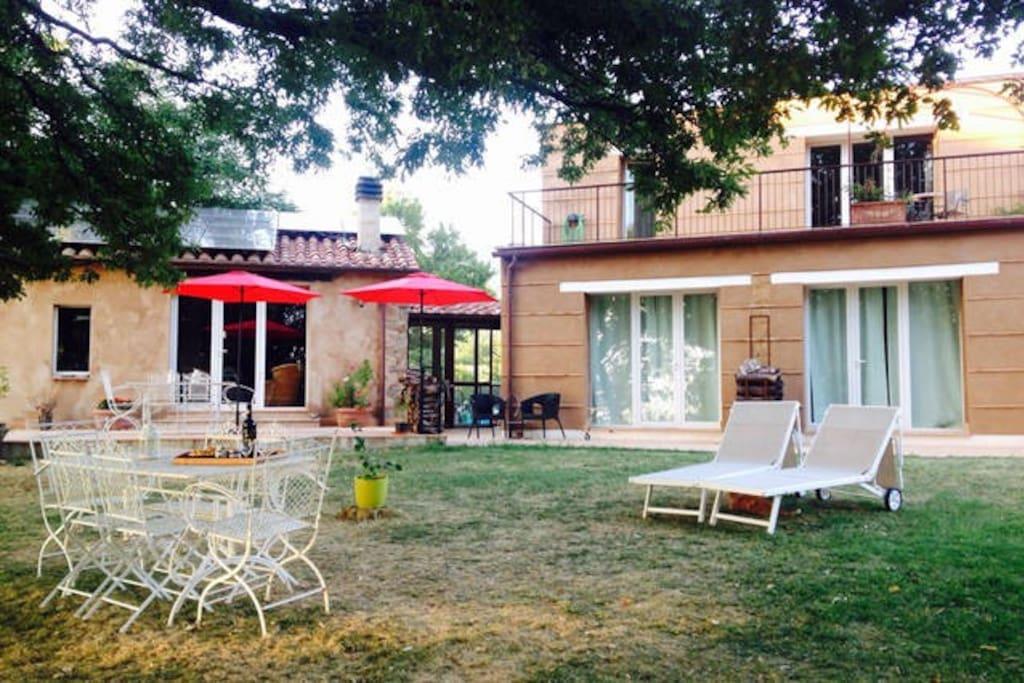 Terrassen und Gartensitzplätze