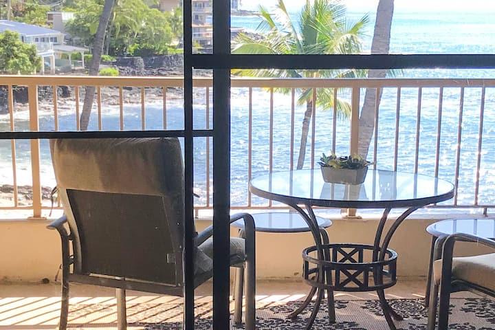 Oceanfront Condo-Paradise