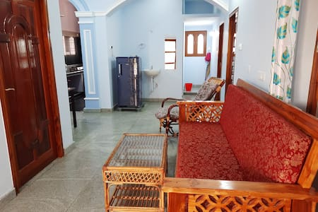 Mountain House-3 Br-5 Mn walk to Ramana Ashram