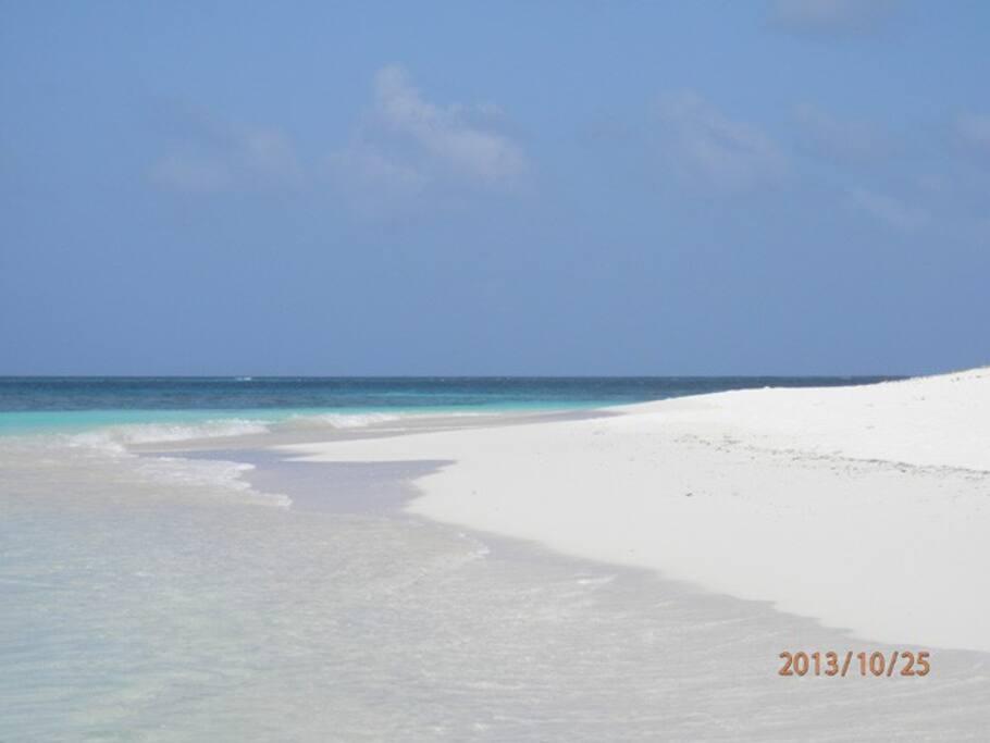36 White sand beaches