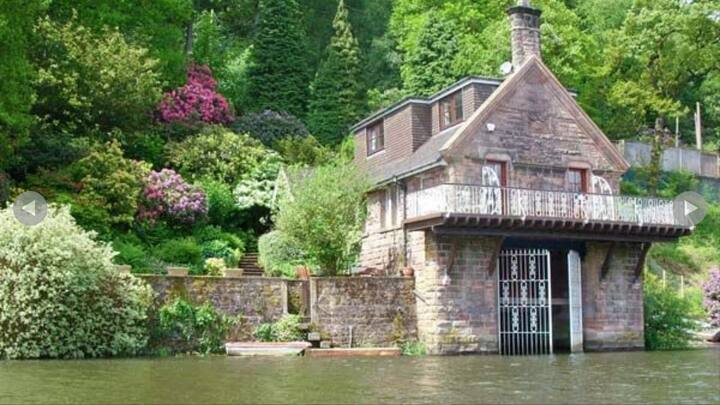 Unique Boathouse Apartment on Rudyard Lake.