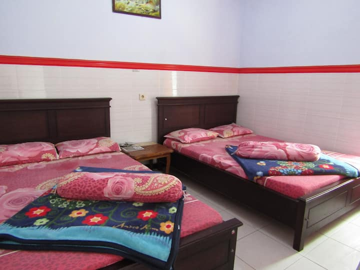 Comfy Room Suitable for Family at Tombo Kangen