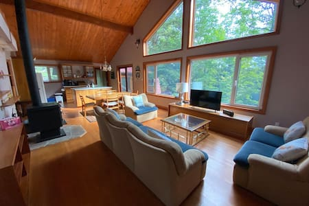 Amazing cottage on beautiful 3 Mile Lake!