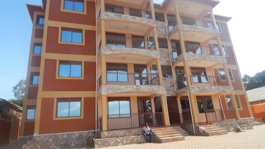 Entire 3 bed, 3 bath flat - Kampala - Pis