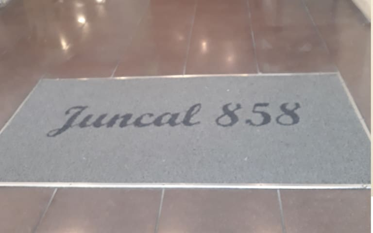 Estudio Juncal 858 en la mejor zona de la ciudad