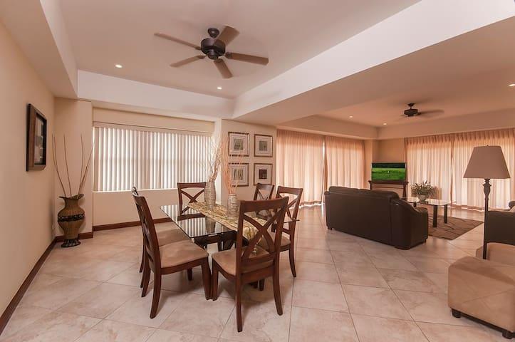 Huge 3 Bedroom Jaco Beach Condo Near Cocal Casino