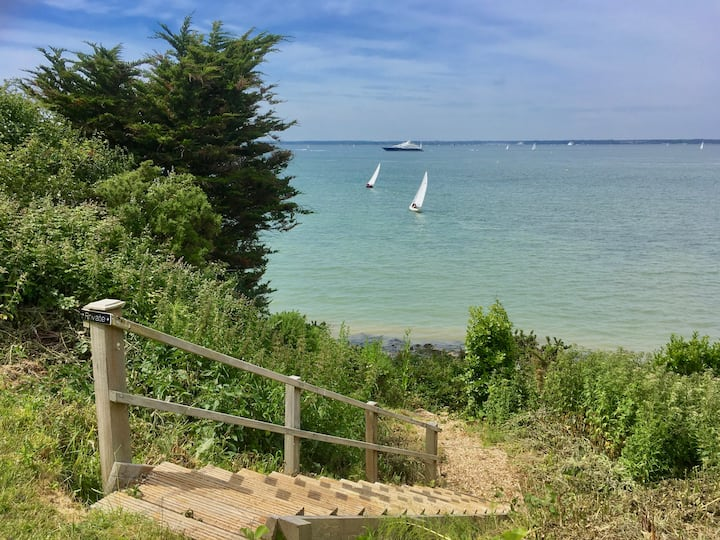 Cosy Cottage Annexe-South Facing-Solent Views