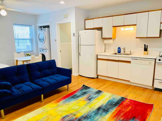 Convenient Studio *parking* 3-min. walk to subway