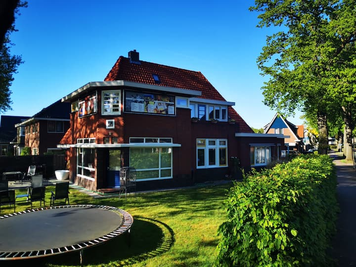 Mansion Emmen Center (entire upstairs apartment)