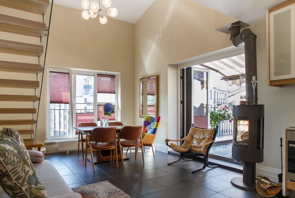 Lounge/Kitchen/Terrace