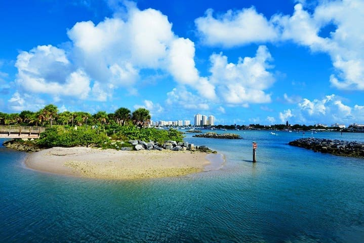 BLUEWATER BUNGALOW 3 - SINGER ISLAND - SLEEPS 4 - West Palm Beach
