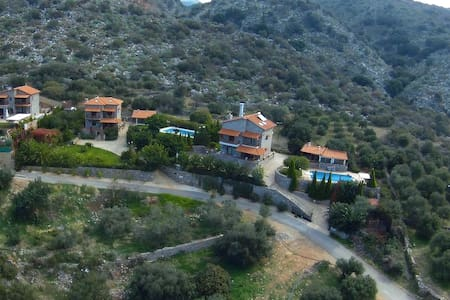 3 Stonebuilt Villas with Panoramic view - Lasithi