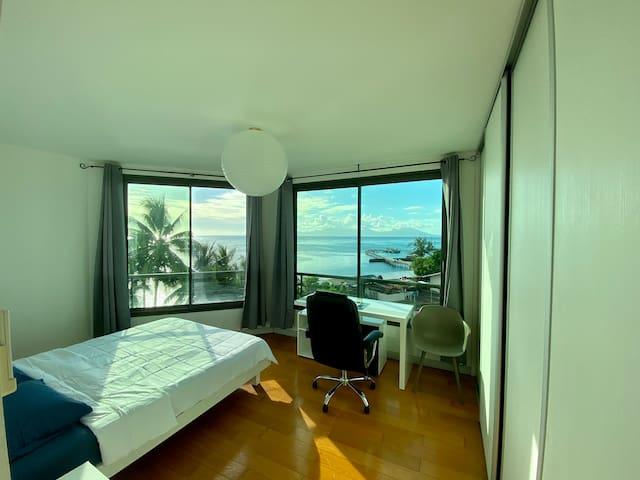 Tahiti-Punaauia F4 Vue Moorea + Piscine