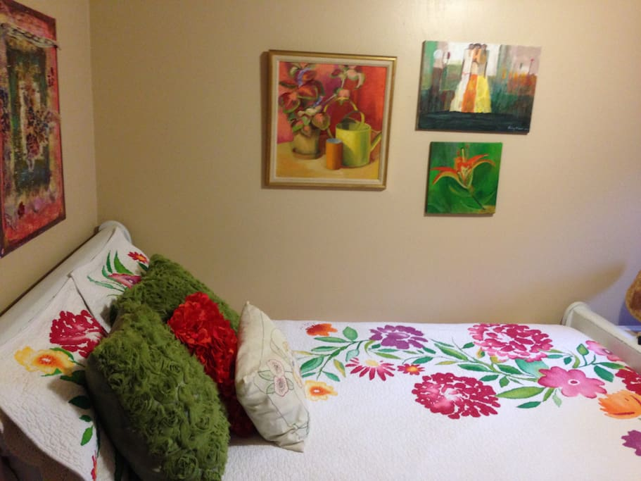 Eclectic Style Guest Quarters