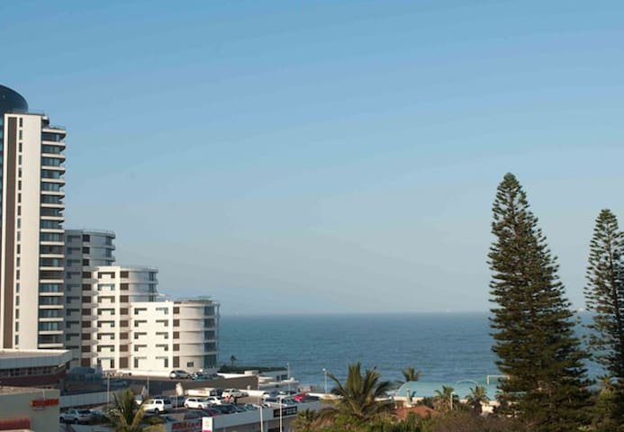 Umhlanga Rocks Lighthouse 2 Bedroom Flat