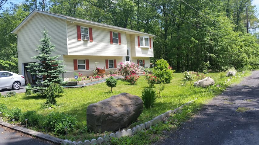 Affordable Poconos Getaway