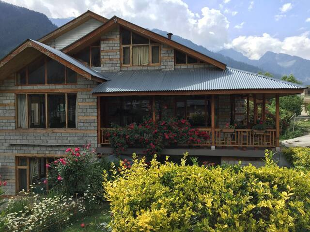 A Dream Cottage in The Hills - 3Bed - Manali - Villa