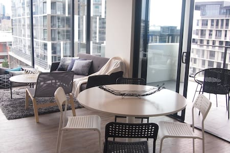 CITY VIEW 2BRM APT+ FREE CAR PARK - SOUTH BRISBANE - 사우스 브리즈번(South Brisbane) - 아파트