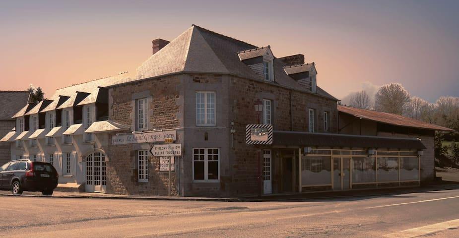 chambre 2 - Saint-Georges-de-Gréhaigne - 獨棟