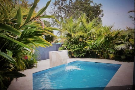 Inexpensive room for up to 3 people with pool!! - Ettalong Beach - Talo