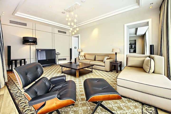 Two bedrooms apartment on 49 floor