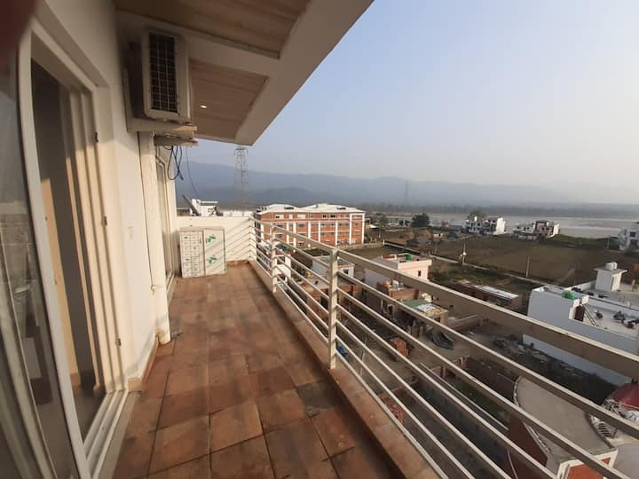 2 Bedroom Ganga View Apartment in Quiet Area