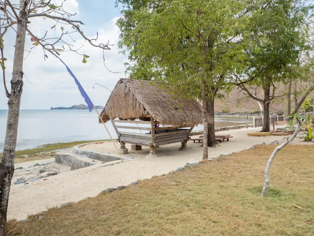 Mambo Sun, Private secluded property on the beach