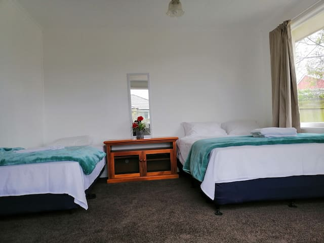 Renovated house. Near city centre!!! clean & tidy