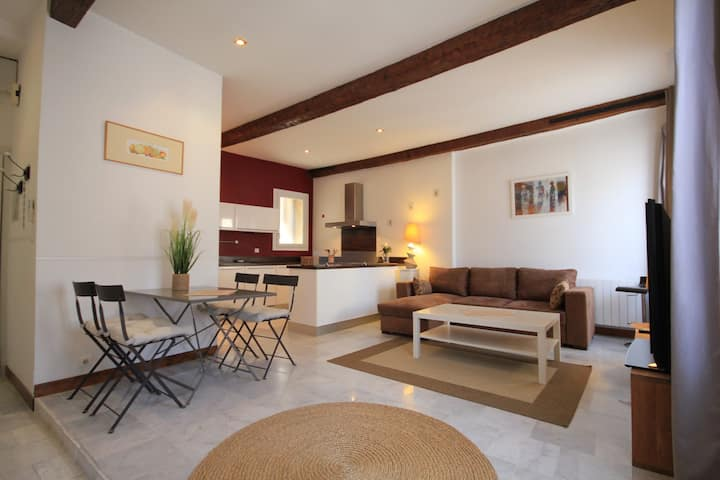 Loft Avignon Center A/C and Wifi for 4 guests