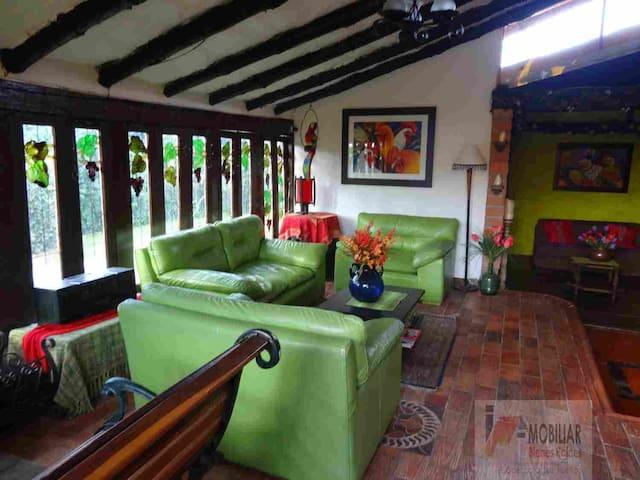 Casa semirural, Las Nubes, Llanogrande. Rionegro