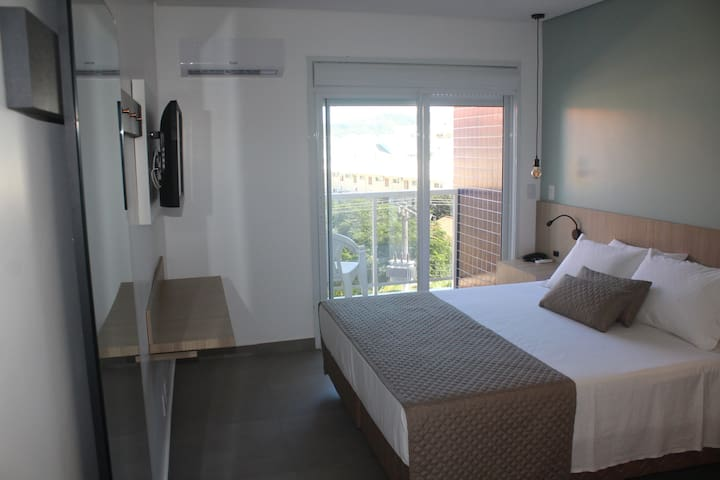Quarto Duplo com Sacada (hotel 4 estrelas)