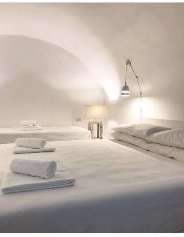 VIA PALMIERI 11 luxury room CORALLO