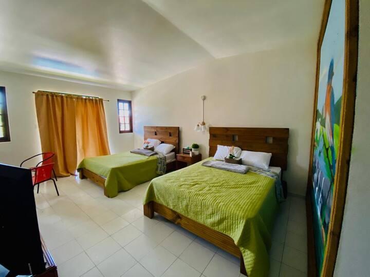 Hotel Shangri-La: Habitación Doble 204