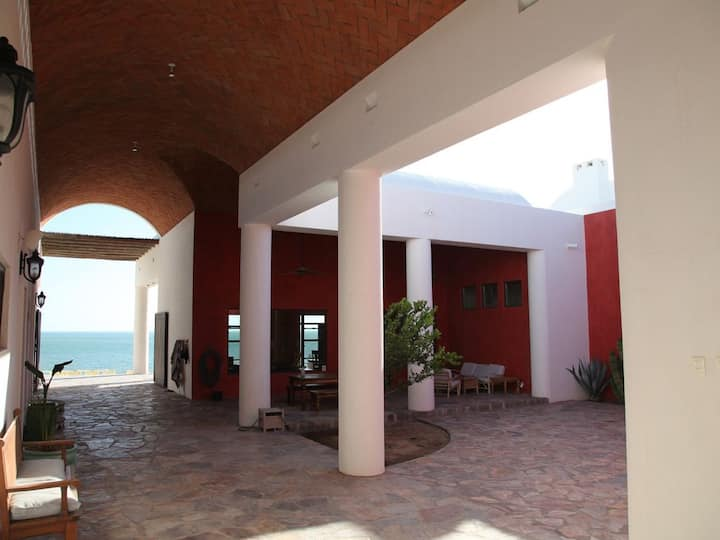 Casa Estrella Del Mar - Beautiful Beachfront Villa