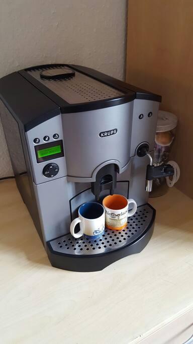 Kaffeevollautomat darf gerne benutzt werden