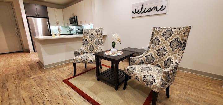 Stylish Apt NearDowntown | Ideal for Long Stays! A