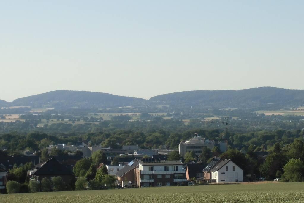Blick auf Bad Oeynh. und das Wiehengebirge
